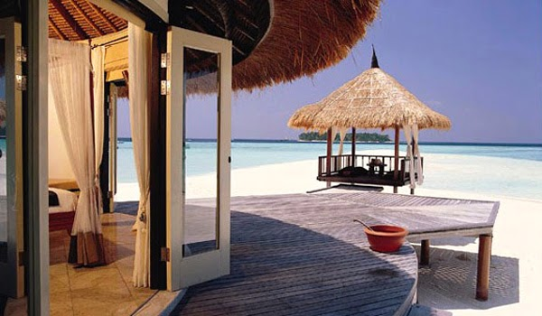 Banyan Tree Maldives Vabbinfaru - $650 - $4000 / day