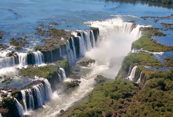 Top 15 World's Most Amazing Waterfalls
