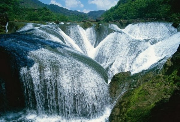 Top 15 World's Most Amazing Waterfalls